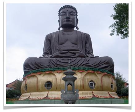 八卦山大仏像